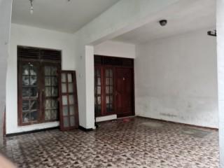 Fully Tiled Downstairs house for rent - Near Mount Lavinia Police / Ratmalana Sri Dharmarama Road